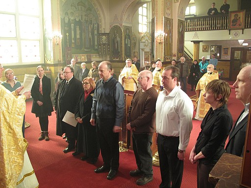 Holy Trinity parish council members pledge to uphold the duties of their office.